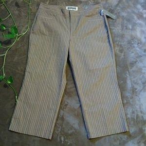 Dockers Ideal Fit Capri Calf Length Pants sz 12